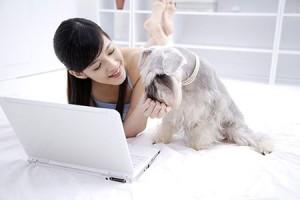 减轻电脑辐射对肌肤的危害