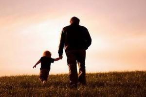 """父母越""""懒"""",孩子未来越独立"""